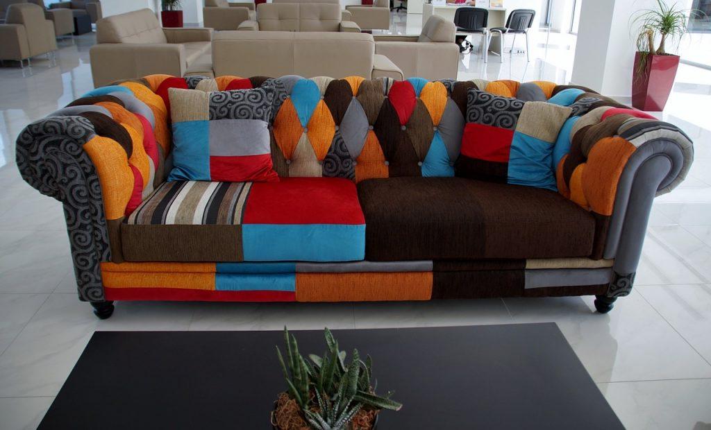 Tapicerowana sofa